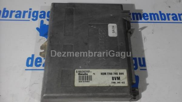 Calculator motor ecm ecu Renault 19 I